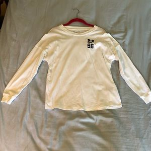 under armour loose white shirt